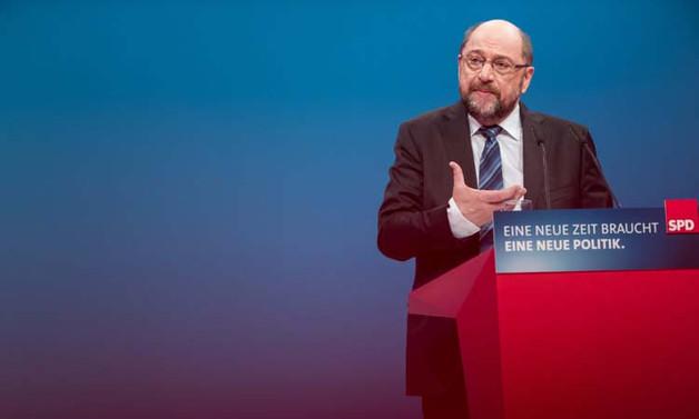Almanya'da büyük koalisyonun geleceği oylanıyor