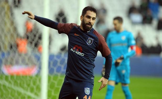 Arda Turan golle döndü, Başakşehir rahat kazandı