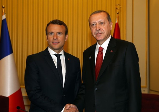 Erdoğan, Macron'la görüştü