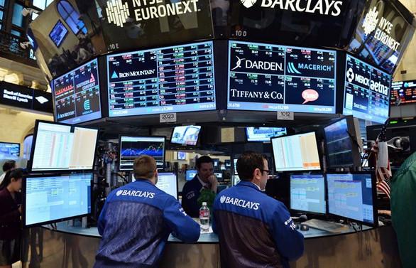 ABD'de banka hisseleri yükseldi, teknoloji geriledi