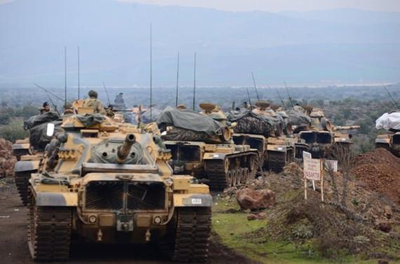Batı, Türkiye'nin NATO'dan kopmasına engel olmalı
