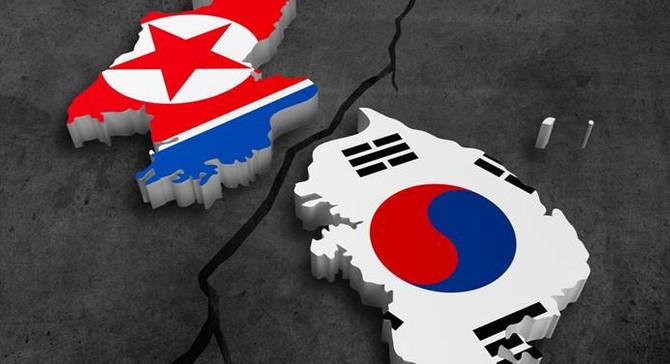 Kuzey Koreli kadın sporcular Güney Kore'ye girdi