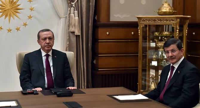 Erdoğan, Davutoğlu ile görüştü