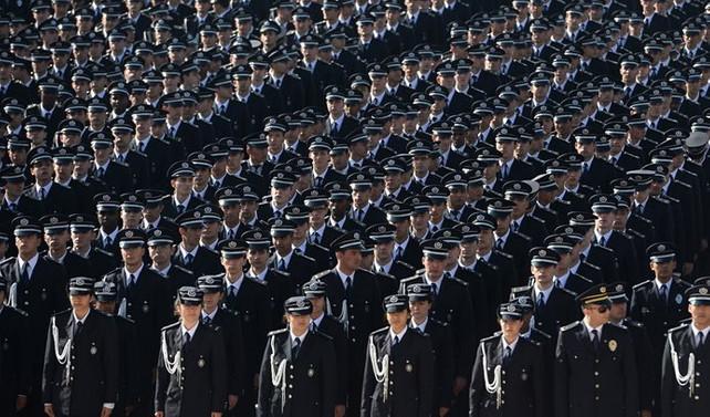 Görünmeyen dövme polisliğe engel olmayacak