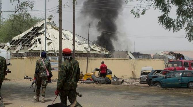 Nijeryada camiye intihar saldırısı, en az 14 ölü