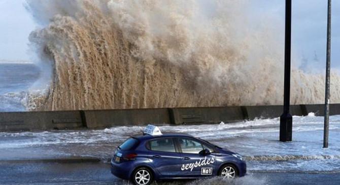 Şiddetli fırtınalar Avrupa'da can aldı