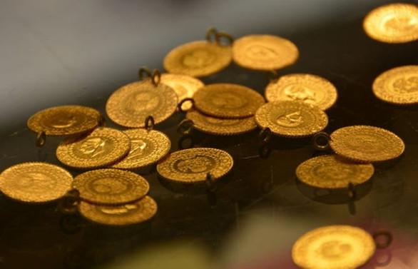 Altın fiyatları dolarla birlikte düşüşte