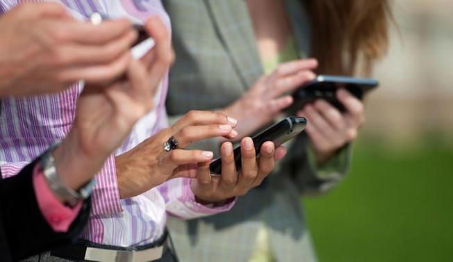 Ayda 4 günümüzü mobil uygulamalarda geçiriyoruz