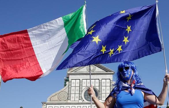 AB, İtalya'nın bütçe taslağını reddetti