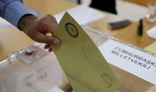 Yerel seçimlerde adaylık için istifalarda son gün 1 Aralık