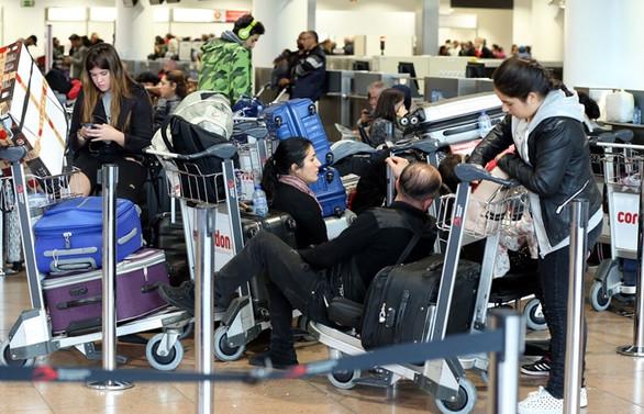 Brüksel Havalimanı'nda grev: 100 sefer iptal