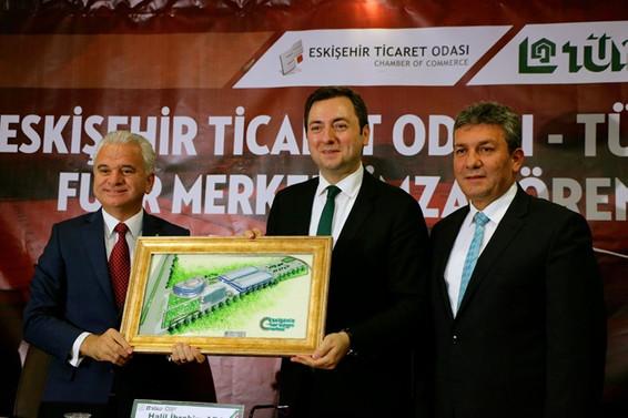 Eskişehir Fuar Kongre Merkezi'nin işletme hakkı TÜYAP'a devredildi