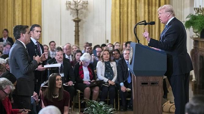 Hakim, Beyaz Saray'ın CNN muhabirine basın kartını geri vermesine hükmetti