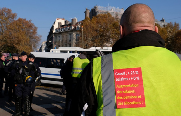 Fransa'da zam protestosu: 1 ölü, 227 yaralı
