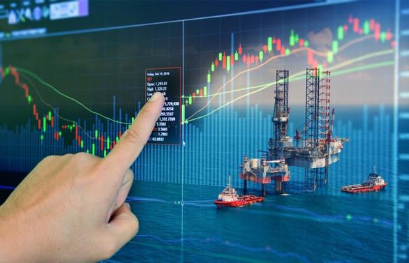 ABD'nin petrol stokları bir yılın zirvesinde