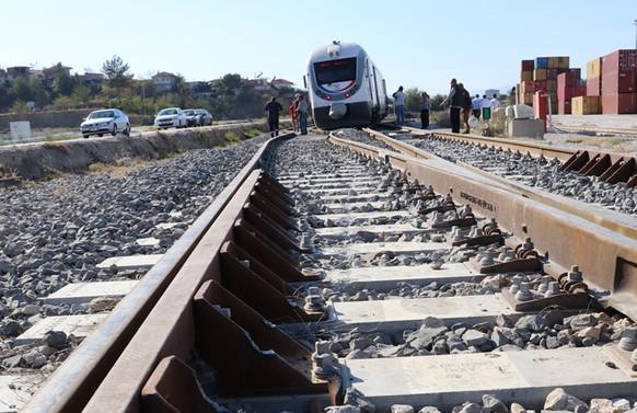 Sivas'ta iki tren çarpıştı, 8 yaralı
