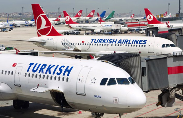 İstanbul'a inemeyen 2 uçak Bursa'ya yönlendirildi