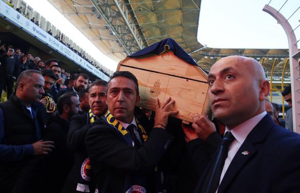 Fenerbahçeli genç taraftara veda