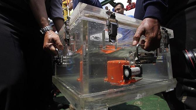 Endonezya'da düşen uçağın kara kutusundaki verilere erişildi