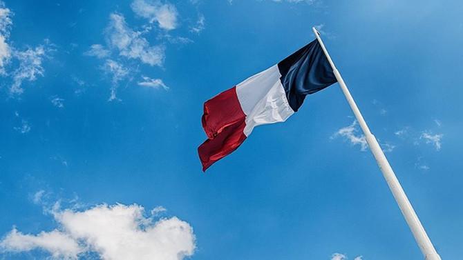 Yeni Kaledonyalılar Fransa'dan ayrılmayı reddetti