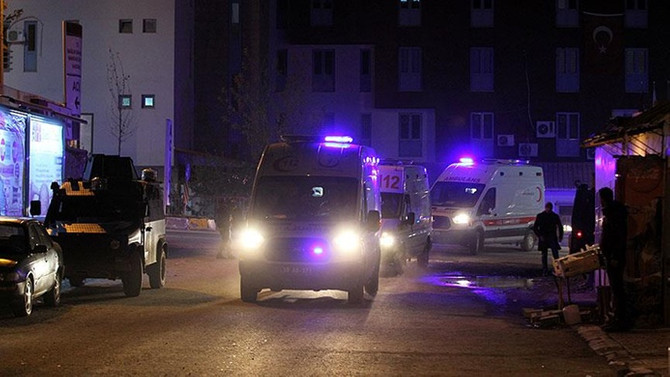 Hakkari'de mühimmat patladı: 25 asker yaralı, 7 asker kayıp