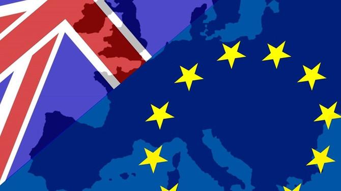 İngiliz kabinesinde Brexit istifası