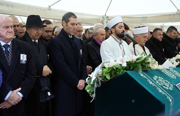 Ali Raif Dinçkök son yolculuğuna uğurlandı