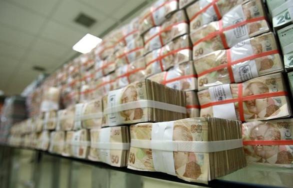 Hazine 1.5 milyar lira borçlandı