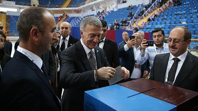 Trabzonspor'da Ağaoğlu yeniden başkan