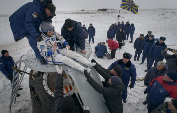 Soyuz kapsülü 197 gün sonra Dünya'ya döndü