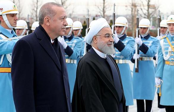İran Cumhurbaşkanı Ruhani resmi törenle karşılandı