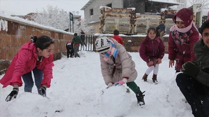 11 şehirde eğitime kar engeli