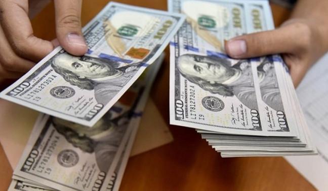 Dolar, TCMB raporuyla geriledi