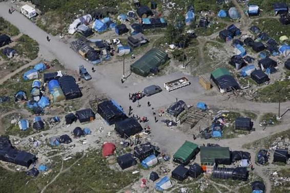 Fransa'da göçmen kampında kavga: 13 yaralı