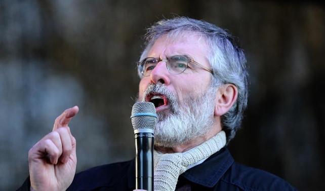 Adams, Sinn Fein partisinin liderliğini bıraktı