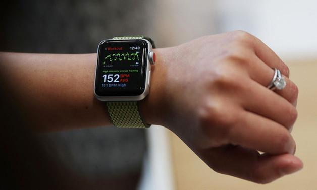 Apple, İsviçreli üreticilerden daha fazla saat sattı