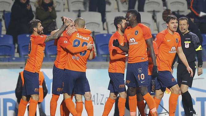 Son iki sezonun en çok zirvede kalan takımı Medipol Başakşehir