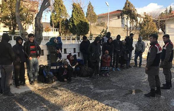 Edirne'de 293 kaçak ve sığınmacı yakalandı