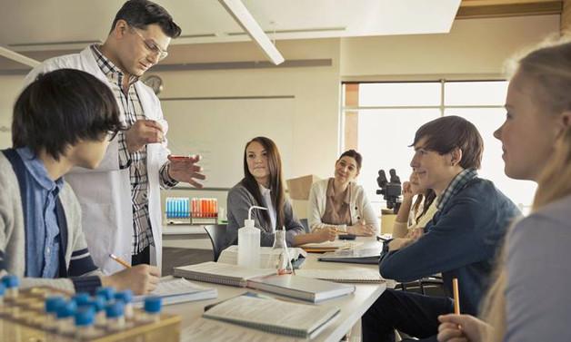 Kolejler yabancı hoca getiremiyor