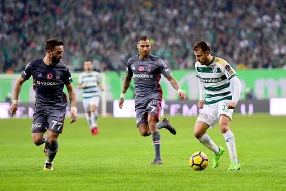 Beşiktaş, deplasmandan 1 puanla dönüyor