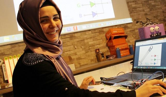 Kadın girişimci geleceğin mucitlerini çekirdekten yetiştiriyor