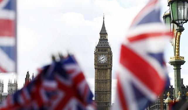 İngiltere'de büyüme aşağı yönlü revize edildi