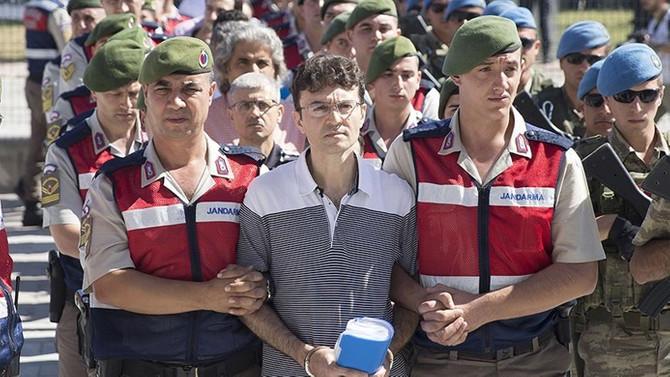 Biniş ve Şen'e FETÖ'den hapis cezası