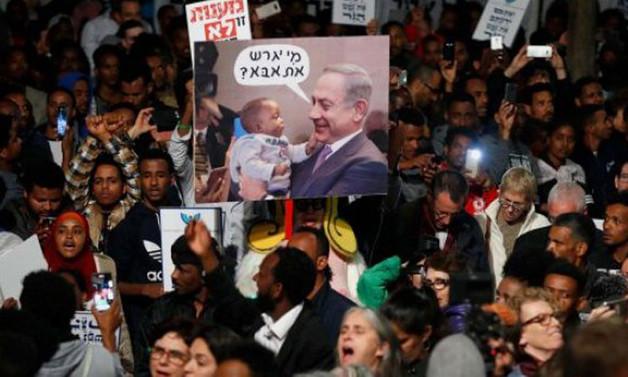 İsrailliler, Afrikalıları sınır dışı planını protesto etti