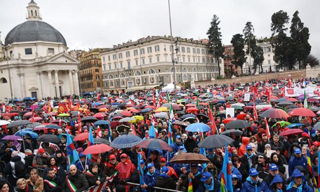 İtalya'da seçim öncesi ırkçılığa karşı gösteri