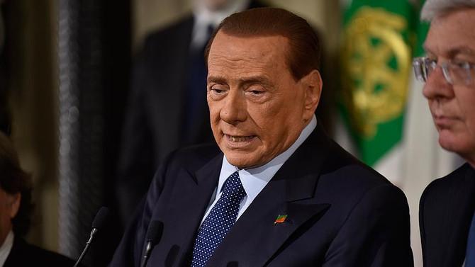 İtalya'da Berlusconi'den 'cumhurbaşkanlığına' yeşil ışık