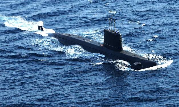 Pakistan denizaltıları Türkiye'ye emanet