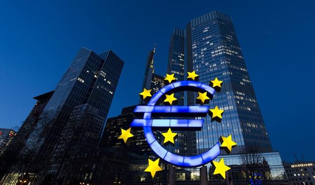 Euro Bölgesi'nde yatırımcı güveni şubatta azaldı