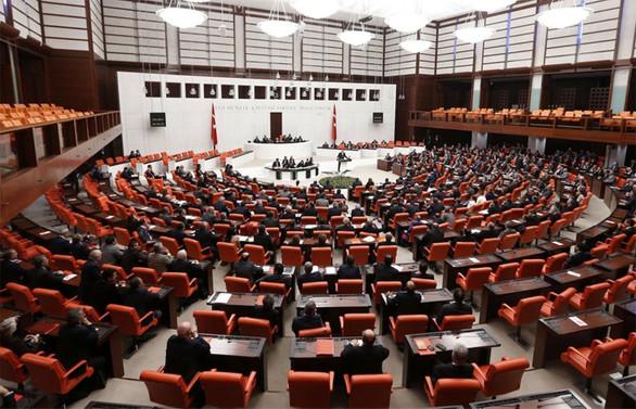 Yeni reform paketleri komisyonlarda