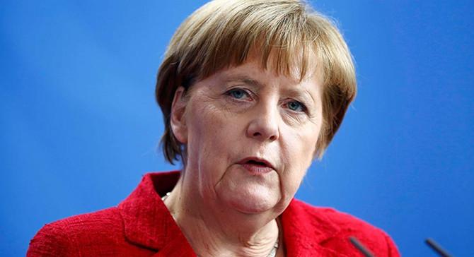 Merkel'den koalisyon görüşmeleri için uzlaşma çağrısı